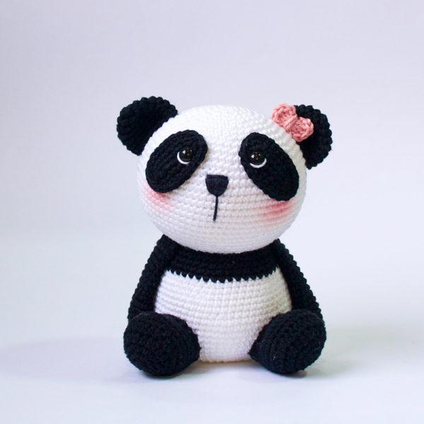 Urso Panda Receita de Amigurumi de Crochê por Little Bear Crochets | 600x600